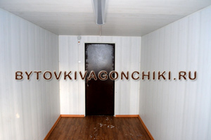 Отделка стен панели ПВХ цвет белый (пластик) + электрика, линолеум